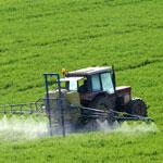 tracteur d'épandage de pesticides